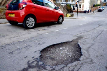 AA 'piles pressure' on Grayling over potholes image