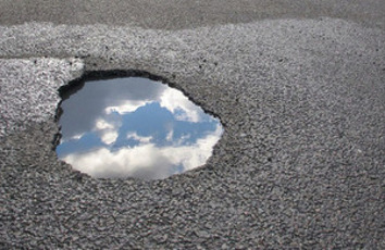 ADEPTs Live Labs: DfT hands out £23m for new anti-pothole tech image