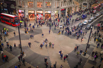 Council criticised for Oxford Street pedestrianisation U-turn image
