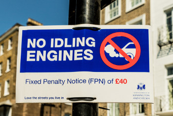 Councils urged to fine idling drivers image