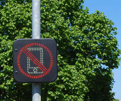 Get off the phone! Norfolk signs warn drivers image