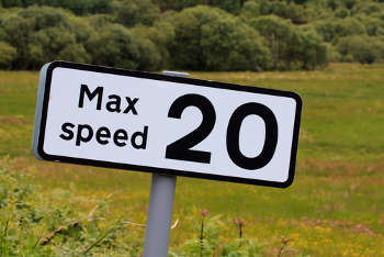 Half of drivers think speeding acceptable image