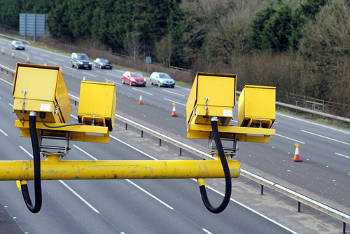 Highways England to trial variable speed limits on motorway roadworks image