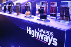 Keeping the Awards show on the road image