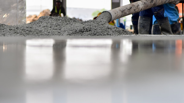 Lafarge tackles carbon from the ground up with new cement blend image