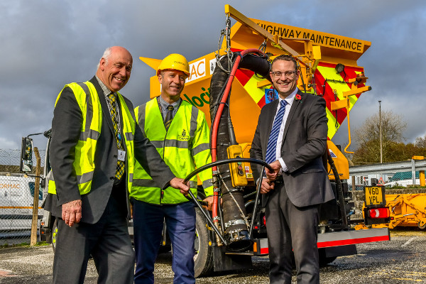 New kit helps council squeeze in more repairs image