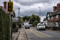 UN backs worldwide 20mph limits  image