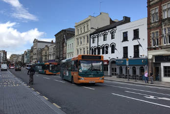 Welsh Govt considers limited access to bus lanes for HGVs  image