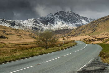 Welsh councils rush to spend highways windfall image