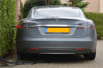 World first: Govt plans change in regs to put EV chargepoints in future homes image